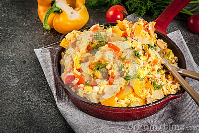 Mexican food recipes Revoltillo de Huevos, Scrambled Eggs a la Dominicana