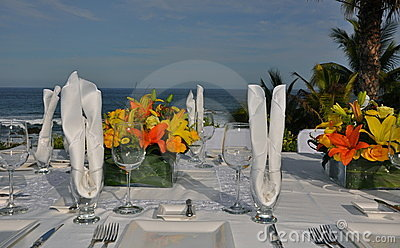 Luxurious wedding table setting 2