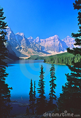 Morraine Lake in Banff