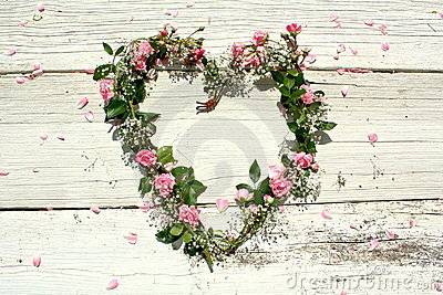 Heart-shaped rose wreath