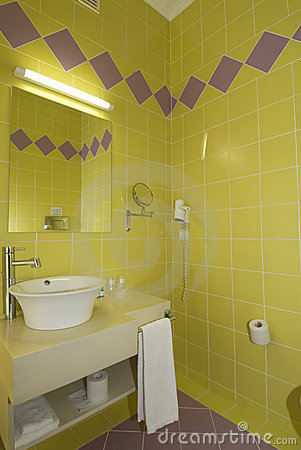 WC - Bathroom with Mirror and pan cold colours