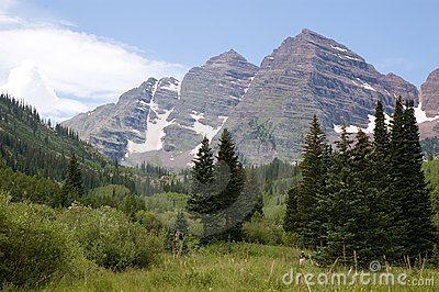 Path to Maroon Bells