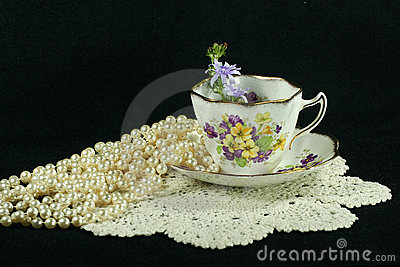 Teacup pearls and lace