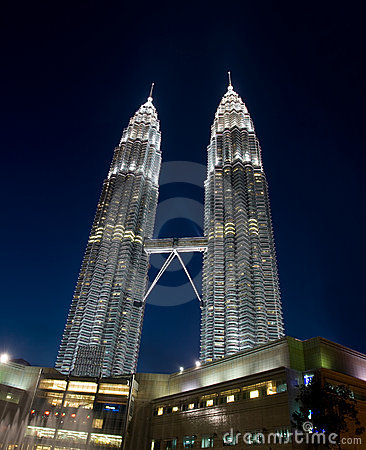Petonas Towers at night