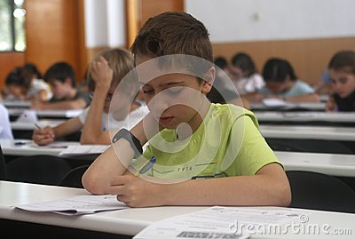 Childrens in an exam.