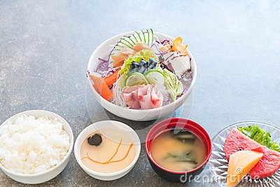 mixed sashimi set