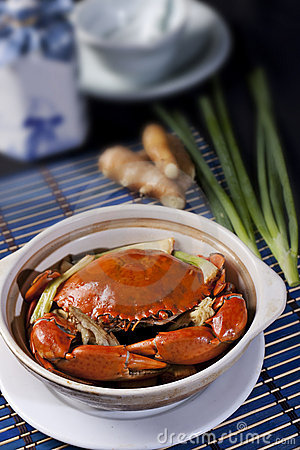 Steamed Whole Crab with Green Onions