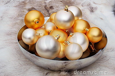 Christmas balls in bowl