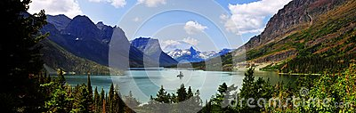 Panoramic view of Saint Mary Lake, west glacier `going to sun road`, Montana, USA