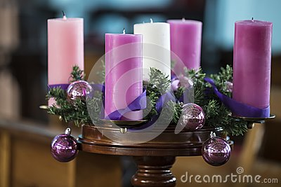 Advent wreath with pink candles