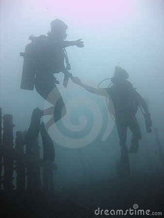 scuba divers diving sabang wrecks puerta galera