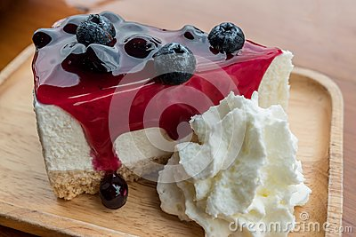 Blueberry cheese cake with whipping cream