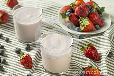 Healthy Organic Drinkable Yogurt Berry Kefir