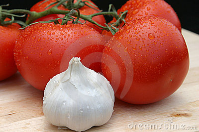 Dewy Red Tomatoes & Garlic