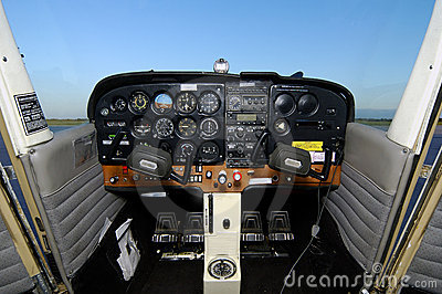 Cessna Cockpit No Headsets