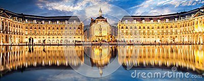Place la Bourse in Bordeaux, the water mirror by night France