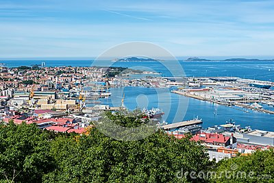 View from the viewing platform for the beautiful city of Vigo. G