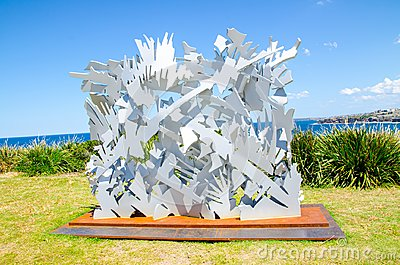 ` Interlace ` is a sculptural artwork by Albert Paley at the Sculpture by the Sea annual events free to the public sculpture.