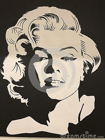 An iconic black & white shot of Marilyn Monroe in her prime - ICON - STAR