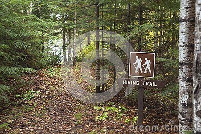 Hiking trail around Divide Lake in the Superior National Forest