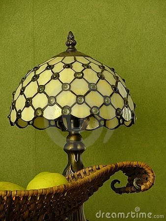 Fruitplate and tiffany lamp