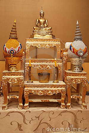 of altar table image of Buddha