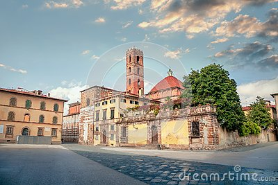 View of San Martino Square and San Giovanni church.  Lucca, Tuscany, Italy