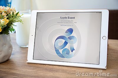 Apple iPad IOS 14 with page invitation Event the screen