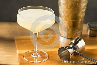 Boozy Corpse Reviver No 2 Cocktail