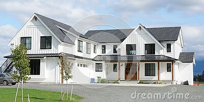 New House Home Canada Modern Farmhouse Design Exterior Details Front View Siding