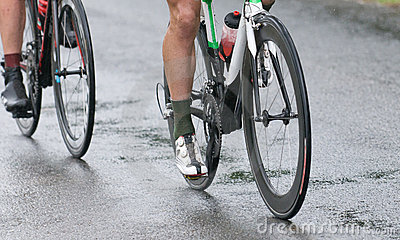 Cycling competition under the rain