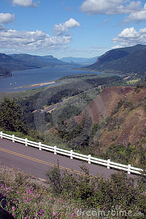 Scenic view of Columbia River Gorge.