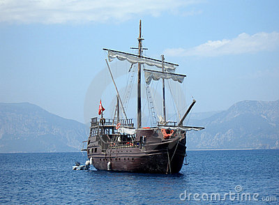 Great pirat ship in sea (in Tu