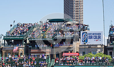 wrigley field rooftop seating