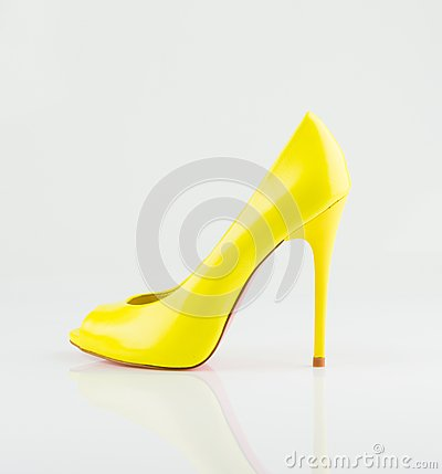 Fashionable yellow women shoe