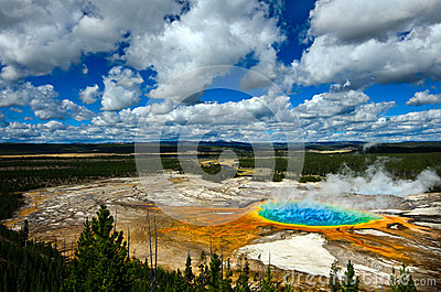 Grand Prismatic Pool Yellowstone National Park