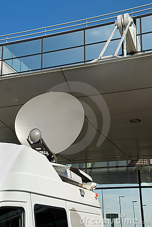 Media mobile satellite dish