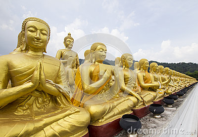 Buddha and disciple statues