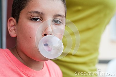 Child with chewing gum