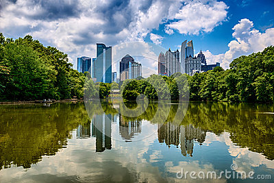 Skyline of downtown Atlanta from Piedmont Park
