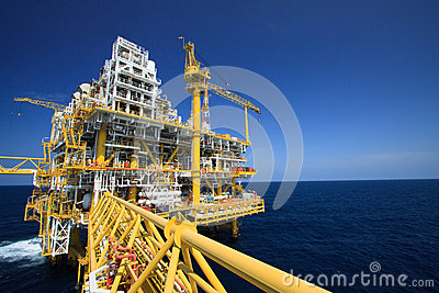 Oil and gas platform in offshore industry, Production process in petroleum industry, Construction plant of oil and gas industry