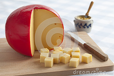 Edam cheese and cubes