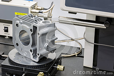 Operator inspection roughness on surface after machining