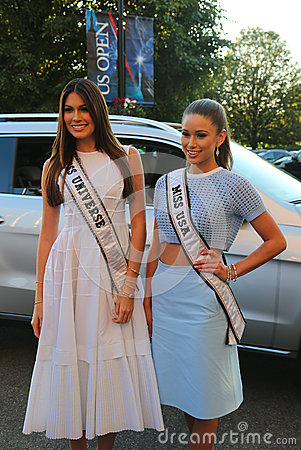 Miss Universe 2014 Gabriela Isler from Venezuela and Miss USA 2014 Nia Sanchez from Nevada at the red carpet before US Open 2014