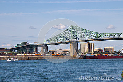 Jacques Cartier Bridge spanning the St. Lawrence seaway in Montr