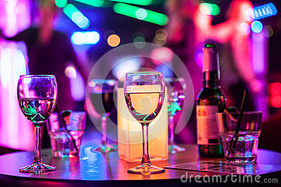 stock image of alcoholic drinks on the table