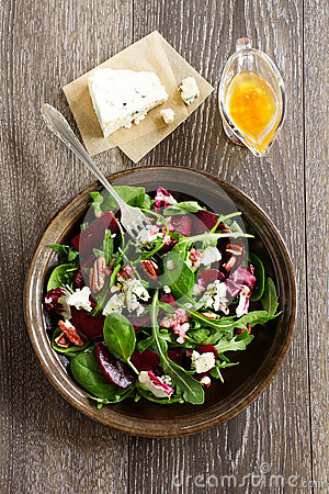 Salad with beet, blue cheese,