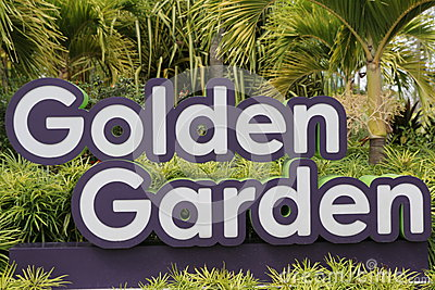 gardens by the bay brings to life nparks vision of creating a city in a garden the gardens captures the essence of singapore as the premier tropical - Golden Garden