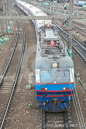 Electric locomotive with cars