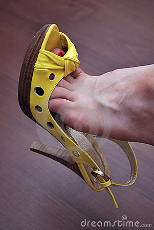 Sexy yellow shoe